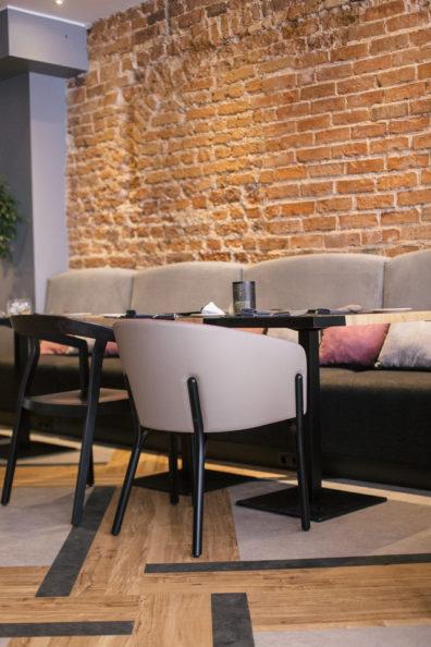 ton-kresli-mebeles-restoraniem-bariem-kafejnicam-5