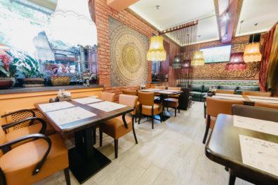 kresli-restoraniem-bariem-viesnicam-6