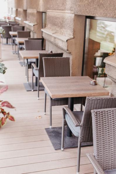 kresli-restoraniem-bariem-viesnicam-8